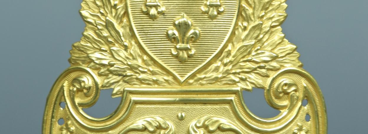 PLAQUE DE SHAKO D'OFFICIER MODELE 1821 - RESTAURATION
