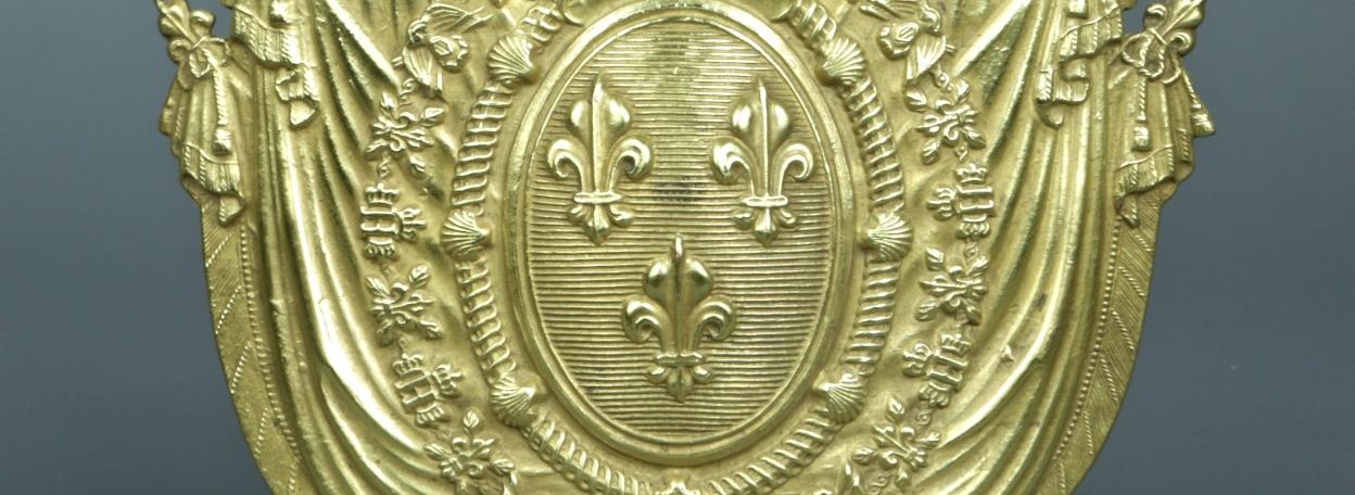 PLAQUE DE SHAKO D'OFFICIER DE LA GENDARMERIE ROYALE MODELE 1817