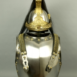 ENSEMBLE CASQUE ET CUIRASSE DE CUIRASSIER DE LA GARDE MODELE 1854 - SECOND EMPIRE